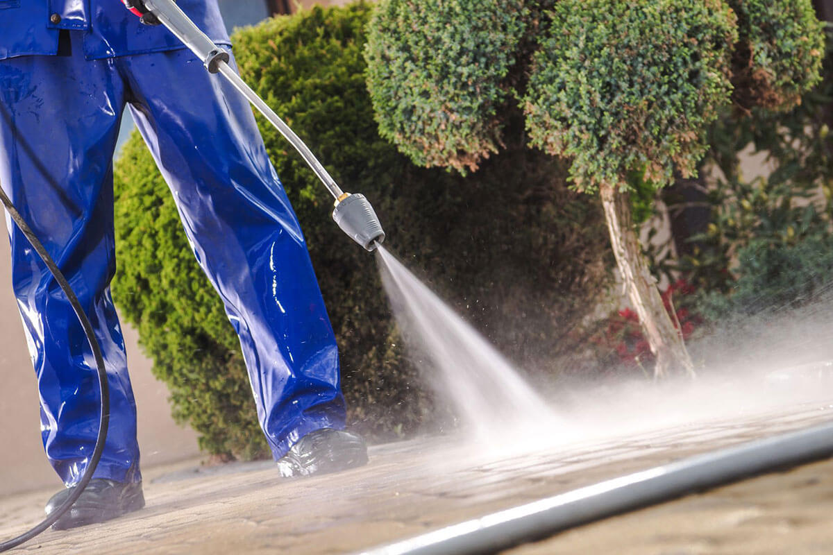 A Professional Exhaust Hood cleaner in Honolulu.